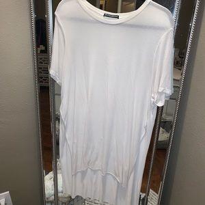 White short sleeve asymmetrical tunic with slits